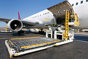 Rhenus Airfreight - A cargo plane is loaded